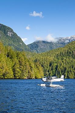 Floatplane in Great Bear Rainforest, British Columbia, Canada, North America