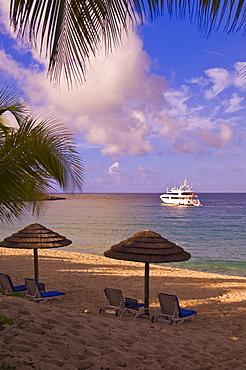 Yacht off Long Beach (Baie Longue), St. Martin (St. Maarten), Netherlands Antilles, West Indies, Caribbean, Central America