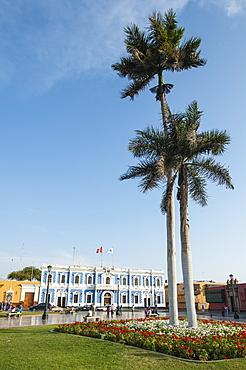 Municipal offices opposite Plaza de Armas, Trujillo, Peru, South America