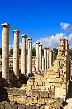 Ruins of the Decapolis city of Scythopolis, Bet She'an National Park, Israel, Middle East