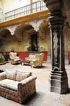 Mexico, Bajio, Queretaro, Inner courtyard of Casa de la Marquesa hotel.