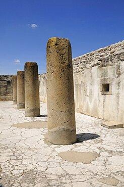 Mexico, Oaxaca, Mitla, Archaeological site Salon de las Columnus.