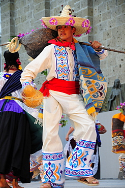 Mexico, Jalisco, Guadalajara, Plaza Tapatia Male dancer from Guerrero State performing during carnival.