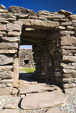 Ireland, County Kerry, Dunbeg, Dingle Peninsula Dunbeg Promontory Fort.