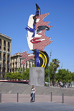 Spain, Catalonia, Barcelona, El Barri Gotic, Port Vell, El Cap de Barcelona sculpture by Roy Lichtenstein.