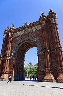 Spain, Catalonia, Barcelona, Arc de Triomf built for the 1888 Universal Exhibition designed by Josep Vilaseca i Casanoves in the Mudejar Spanish Moorish style as the main gateway into the Parc de la Ciutadella.
