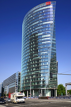 Germany, Berlin, Potzdamer Platz, Bahn Tower.