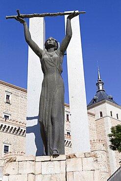 Spain, Castilla La Mancha, Toldeo, Statue of Peace at the Alcazar.