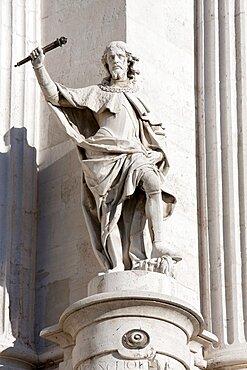 Spain, Madrid, Statue on the Palacio Real.