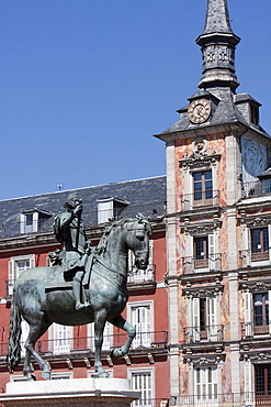 Spain, Madrid, Statue of King Philip III in the Plaza Mayor.