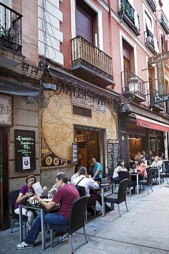 Spain, Madrid, Restaurants and tapas bars south in the Sol, Santa Ana, Huertes district.