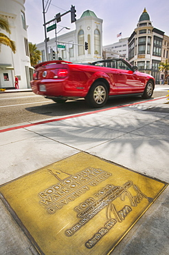 USA California Los Angeles Beverly Hills. A plaque on the Rodeo Drive Walk of Style. LA travel USA America Beverly Hills style class rich wealth Rodeo Drive Los Angeles fashion chic American North America United States of America