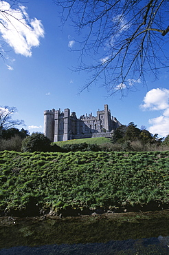 Arundel Castle viewed from the riverbank, Sussex, England, United Kingdom, Europe