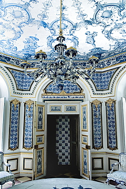 Germany, Bavaria, Munich, Nymphenburg Palace the Pagodenburg. Interior detail of elegant pavilion for royal relaxation with over 2000 blue and white painted Dutch tiles decorating the walls and ceiling.