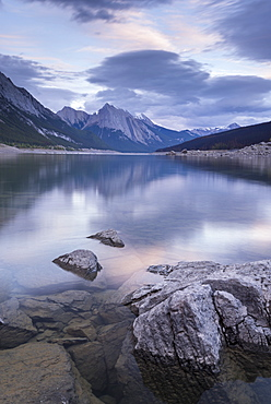 Medicine Lake in the Canadian Rockies, Jasper National Park, UNESCO World Heritage Site, Alberta, Canada, North America