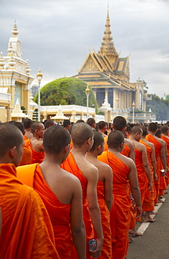 Monks in mourning parade for the late King Sihanouk outside Royal Palace, Phnom Penh, Cambodia, Indochina, Southeast Asia, Asia