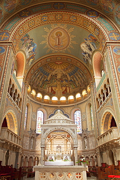Interior of Votive Church, Szeged, Southern Plain, Hungary, Europe