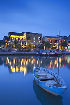 Boat on Thu Bon River at dusk, Hoi An, UNESCO World Heritage Site, Quang Nam, Vietnam, Indochina, Southeast Asia, Asia