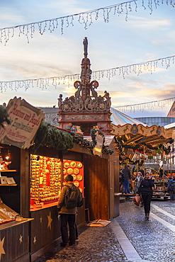 Christmas Market, Mainz, Rhineland-Palatinate, Germany, Europe