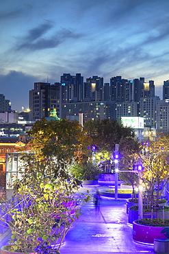 Seoul 7017 Skygarden at dusk, Seoul, South Korea, Asia