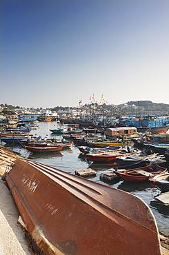 Boats in Cheung Chau Bay, Cheung Chau, Hong Kong, China, Asia