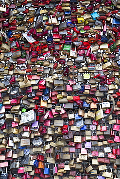 Love padlocks on the Hohenzollern Bridge, Cologne, North Rhine Westphalia, Germany, Europe