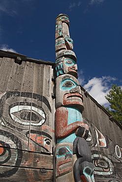 Tlingit Totem Pole, Raven's Fort Tribal House, Fort William Seward, Haines, Alaska, United States of America, North America