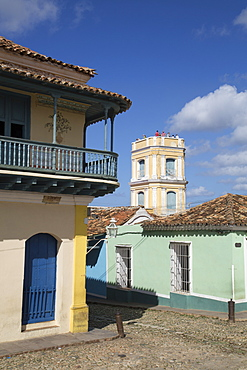 Universal Benito Ortiz Galeria on left, Palacio Cantero on right, Trinidad, UNESCO World Heritage Site, Sancti Spiritus, Cuba, West Indies, Central America