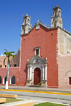 Church of San Juan Bautista, founded 16th century, Motul, Yucatan, Mexico, North America