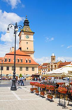 Outdoor Restaurants, Piata Sfatului (Council Square), Brasov, Transylvania Region, Romania