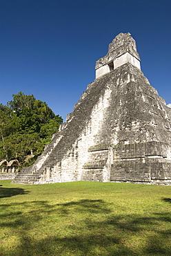 Temple No. 1 (Jaguar Temple), Tikal, UNESCO World Heritage Site, Tikal National Park, Peten, Guatemala, Central America