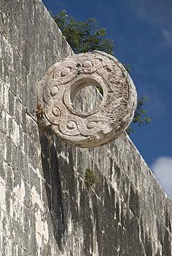 One of the stone hoops in the Great Ball Court (Gran Juego de Pelota), Chichen Itza, UNESCO World Heritage Site, Yucatan, Mexico, North America