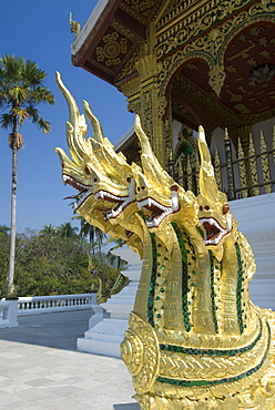 Naga heads, Wat Sen, Luang Prabang, Laos, Indochina, Southeast Asia, Asia