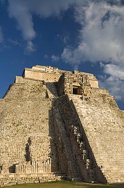 Casa del Advino (Magician's House), Uxmal, UNESCO World Heritage Site, Yucatan, Mexico, North America
