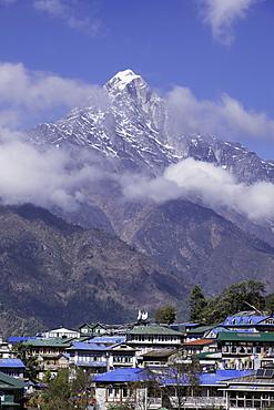 The town of Lukla beneath the Himalayan mountains, Nepal, Asia