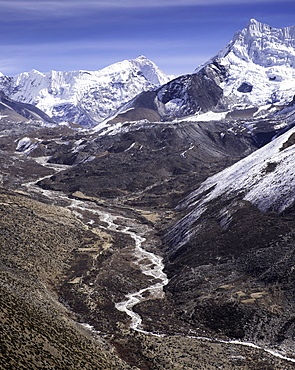 The Chola Valley in Sagarmatha National Park, UNESCO World Heritage Site, Himalayas, Nepal, Asia
