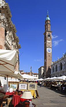 Antiques Market in Piazza dei Signori, Vicenza, UNESCO World Heritage Site, Veneto, Italy, Europe