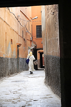 Street scene, Old City, Medina, UNESCO World Heritage Site, Marrakesh (Marrakech), Morocco, North Africa, Africa