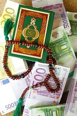 Muslim symbols and bank notes, France, Europe