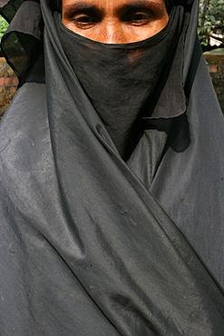 Woman wearing a black Islamic burqa, Bariali, Gazipur, Bangladesh, Asia