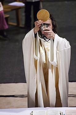 Eucharist on Maundy Thursday in a Catholic church, Paris, France, Europe
