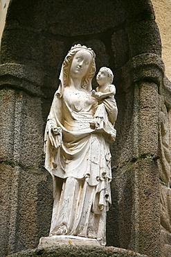 Virgin and child, St. Malo, Ille-et-Vilaine, Brittany, France, Europe