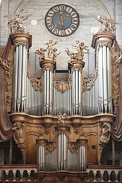 Notre-Dame de Dole collegiate church organ, Dole, Jura, Franche-Comte, France, Europe