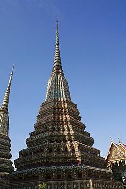 Chedi at Wat Po (Wat Phra Chetuphon), Bangkok, Thailand, Southeast Asia, Asia
