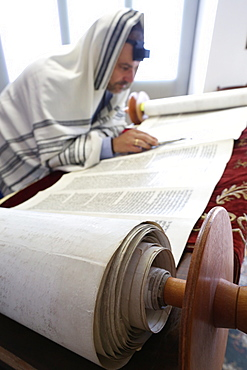 Reading the Torah in a synagogue, Paris, France, Europe