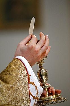 Chalice and Host, Eucharist, Villemomble, Seine-Saint-Denis, France, Europe