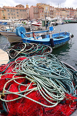 Saint Tropez, nets and fishermen boats in the old harbor, St. Tropez, Var, Provence, Cote d'Azur, French Riviera, France, Mediterranean, Europe