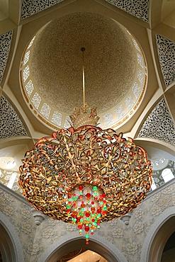Chandelier, Sheikh Zayed Mosque, Abu Dhabi, United Arab Emirates, Middle East