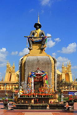 Statue of King Setthathirath, 1534-1571, Pha That Luang, Vientiane, Laos, Indochina, Southeast Asia, Asia