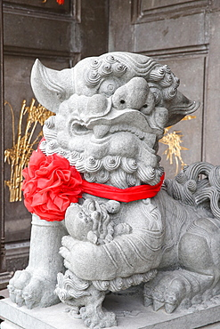 Imperial guardian lion, Taoist temple, Nghia An Hoi Quan pagoda, Ho Chi Minh City, Vietnam, Indochina, Southeast Asia, Asia